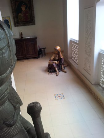 Jyoti Mahal Guest House:                   This statue can at times give you a fright...