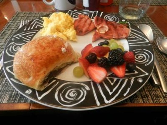 Patricia's Guest House:                   Freshly made breakfast