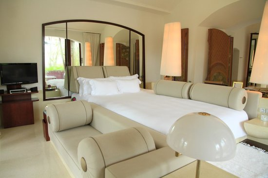 Phulay Bay, A Ritz-Carlton Reserve:                   Super size bed! Luxurious room with all facilities