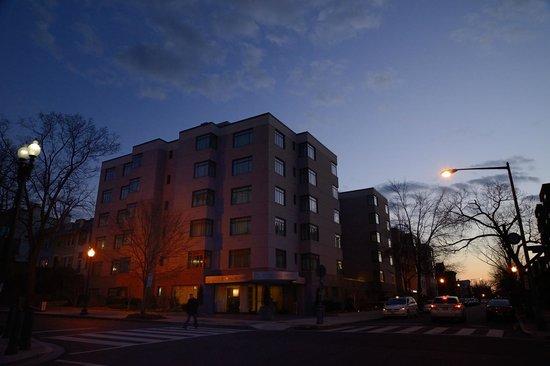 Capitol Hill Hotel:                   キャピトルサウス駅側からの眺め