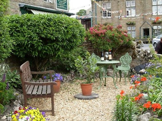 Rokeby Guesthouse: Enjoy relaxing in the front garden