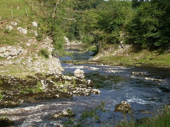 Rokeby Guesthouse: Walk from Grassington along the picturesque River Wharfe