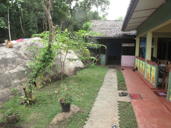 Sigiriya Lion Lodge:                                     La guest house...