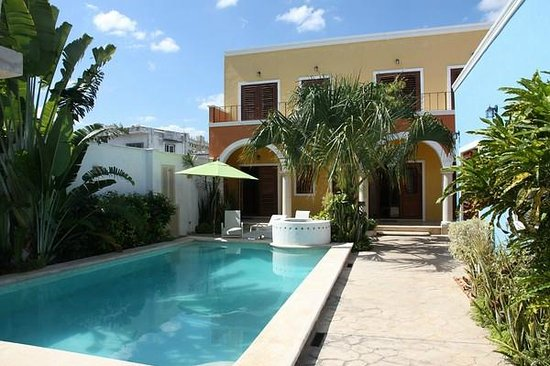 Hotel Merida Santiago: Innenhof mit Pool