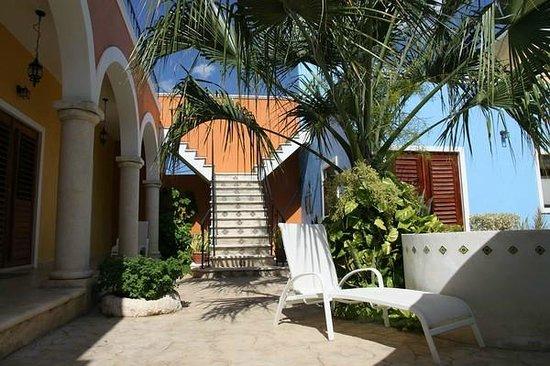 Hotel Merida Santiago: Innenhof