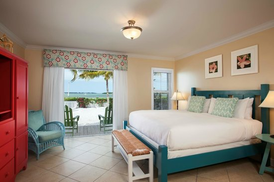 Parrot Key Hotel and Resort: Waterfront king guest room at Parrot Key Resort