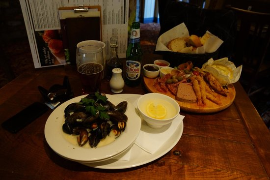 Maenllwyd Inn: our fantastic lunch