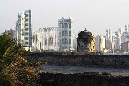 Cartagena City Tours- Day Tours: Bocagrande from the wall