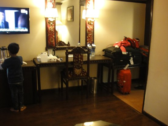 K.C. Residency: room