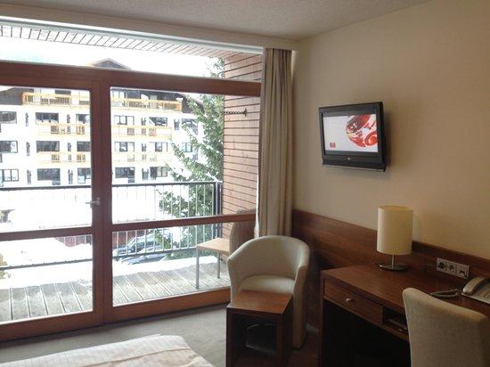 Hotel Rundeck:                                     Room 111