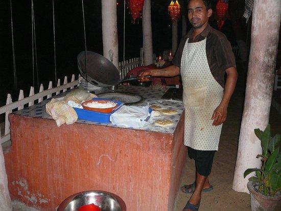 Hindustan Beach Retreat:                                     Resto sur la plage