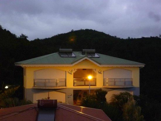 Residence Ilot Bleu:                   Appartements au soleil couchant
