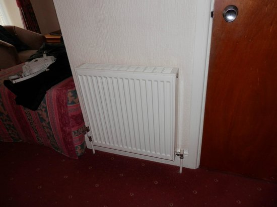 Devon Bay Hotel:                   Single radiator to heat large room