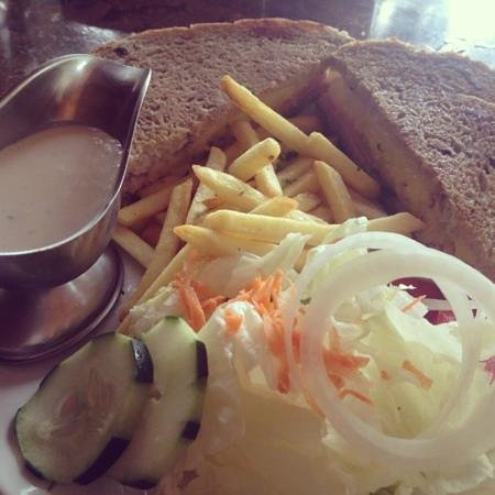 El Galleon Restaurant:                   ham and pineapple sandwich