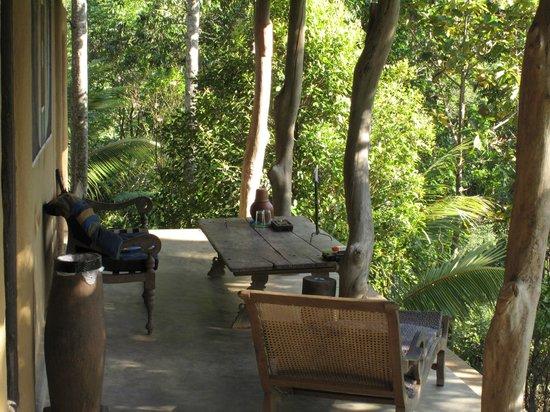 Kandy Samadhi Centre:                   Petit coin de repos.....