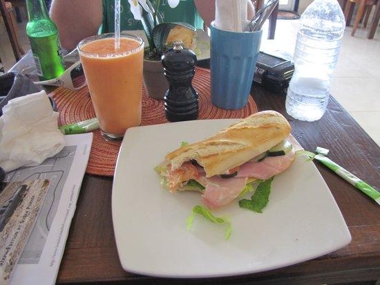 Between 2 Buns:                                     My yummy sandwich