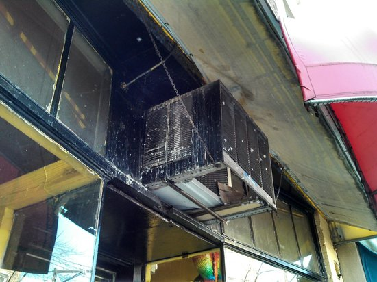 Amigos Mexican Restaurant:                   Pidgeon dropping over your head - in the air system