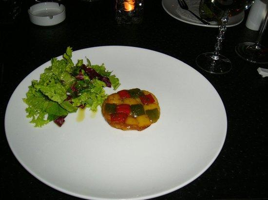 Le 48, Zen & Happy Rezort:                   tarte tatin van paprika's