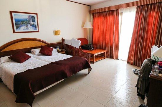SENTIDO Playa del Moro:                   Junior Suite Bedroom