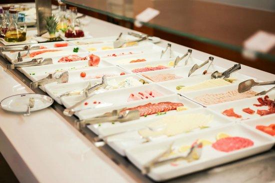 SENTIDO Playa del Moro:                   Cold Breakfast Buffet