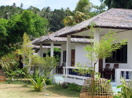 Beck's Resort:                   sea  view  bungalow