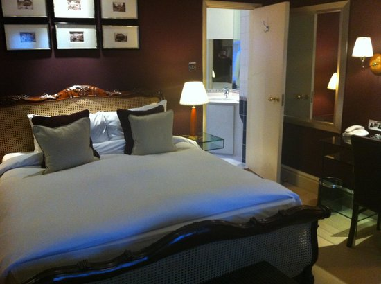 The Manor Hotel:                   The great comfy bed