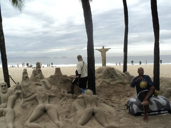 Arena Copacabana Hotel: enfrente