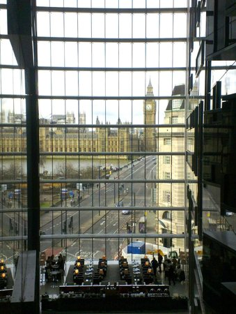 Park Plaza Westminster Bridge London:                   Hotel atrium view