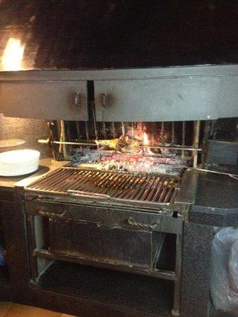 El Bon Raco Bar & Restaurant:                   жаровня