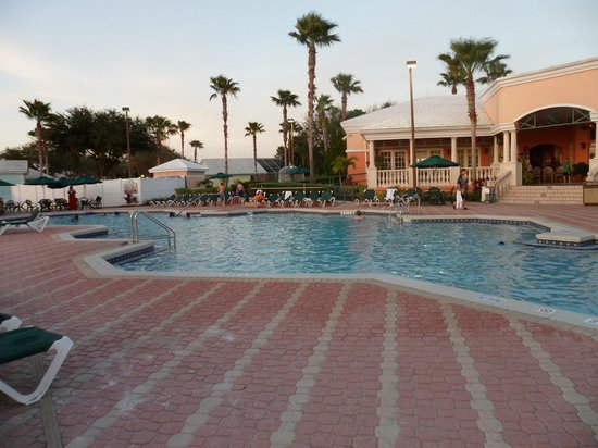 Crown Club Inn Orlando By Exploria Resorts:                   same pool