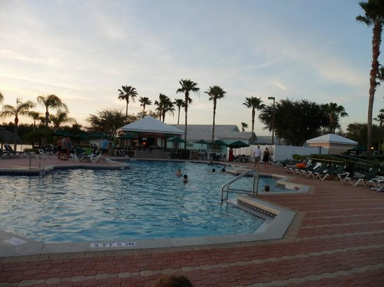 Crown Club Inn Orlando By Exploria Resorts:                   One of the many pools