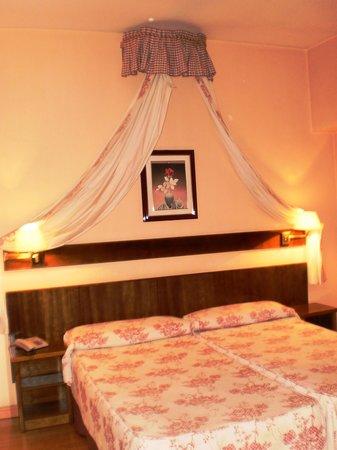 Hotel Alcazar :                   Camera doppia