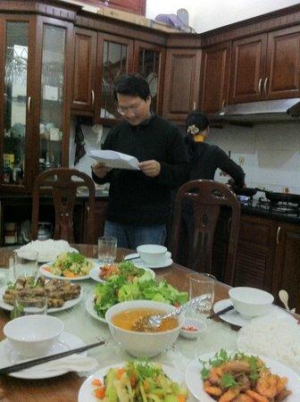 Hanoi Homestay - ChezLinhLinh House :                   le mari de Thuy