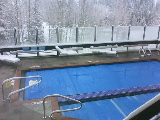 The Inn at Snowbird:                   The Pool and Hot Tub