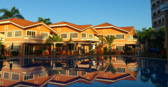 Estrellas de Mendoza Playa Resort:                   pool side suites