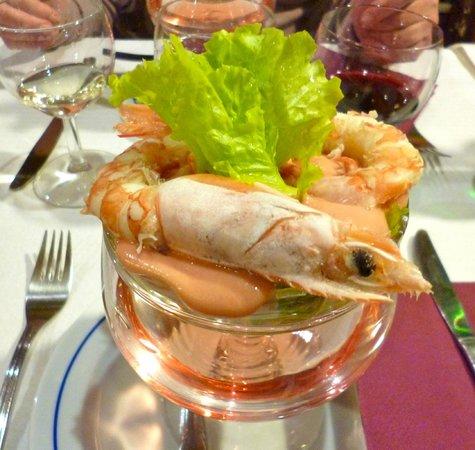 A Fragata:                   voorgerecht cocktail de calamares.