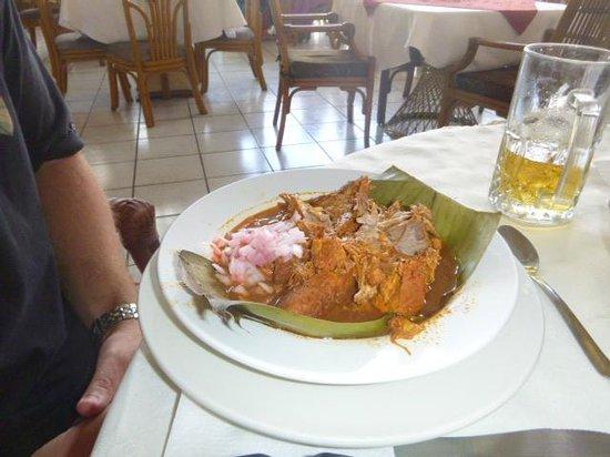 Maria de la Luz Hotel:                   Cochinita de pibil en este lugar es ingreible