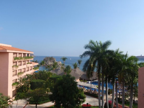 Barcelo Huatulco Beach Resort:                   view from 5th floor