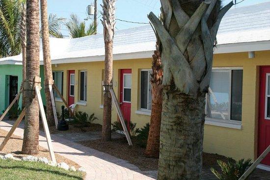 Dolphin Retreat Exterior - Picture of Weston's WannaB Inn ...