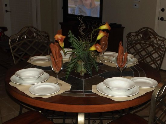 Bella Piazza Condominiums:                   Dining Table
