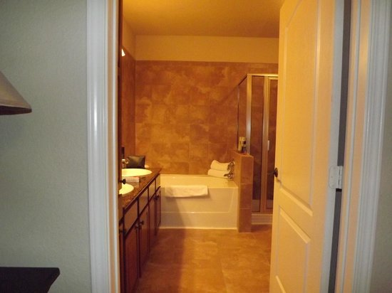 Bella Piazza Condominiums:                   Master Bathroom complete w/Shower & Tub