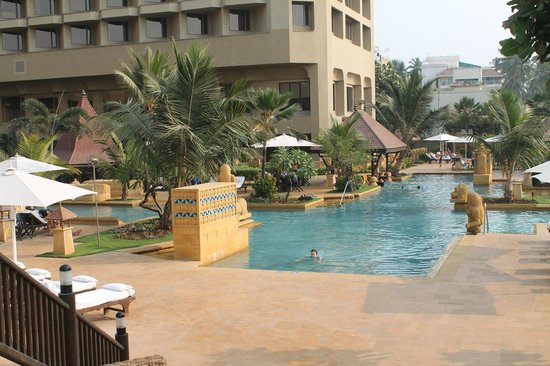 JW Marriott Mumbai Juhu:                   Area de piscinas