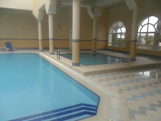 Hotel Mehari Hammamet: très bonne piscine couverte, on en a bien profité