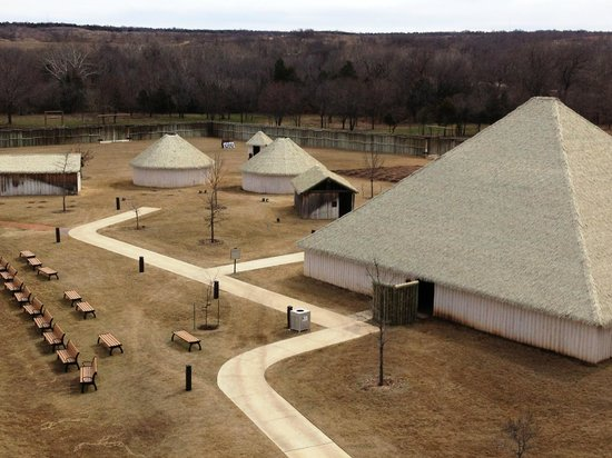 Chickasaw Cultural Center: Chickasaw Village replica