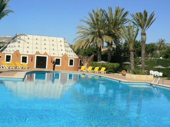 Oasis Hotel Agadir :                   Oasis d'eau et de verdure
