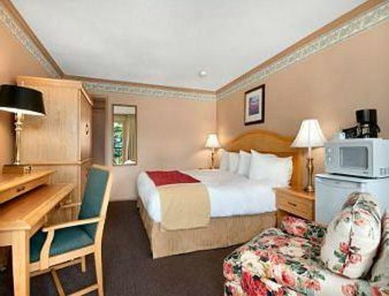 Travelodge Silver Bridge Inn:                   My room type, taken from the Hotel website