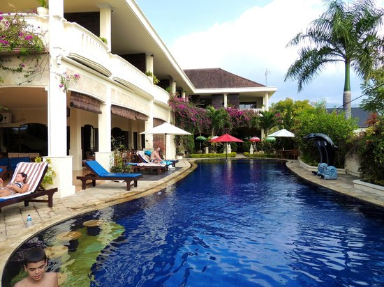 Road to hotel picture of bali paradise hotel boutique for Hip hotels bali