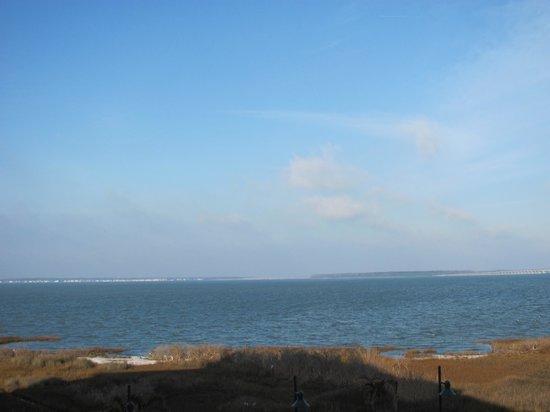 هامبتون إن آند سويتس أوشن سيتي/باي فرنت:                   The view from our room.                 