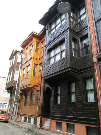 Armada Istanbul Old City Hotel:                   Outside of apartment building on residential street
