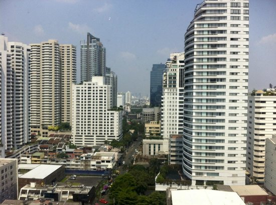 Aloft Bangkok - Sukhumvit 11:                   View from room